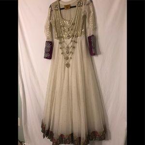 Indian Pakistani Beautifullll outfit